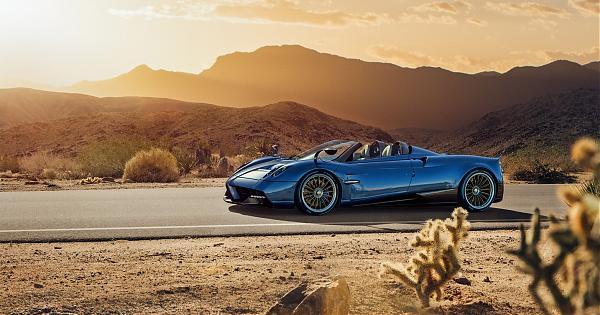 高調開蓬迎豔陽 Huayra Roadster