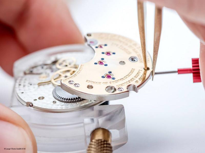 朗格机芯的美是怎麼做出来的?