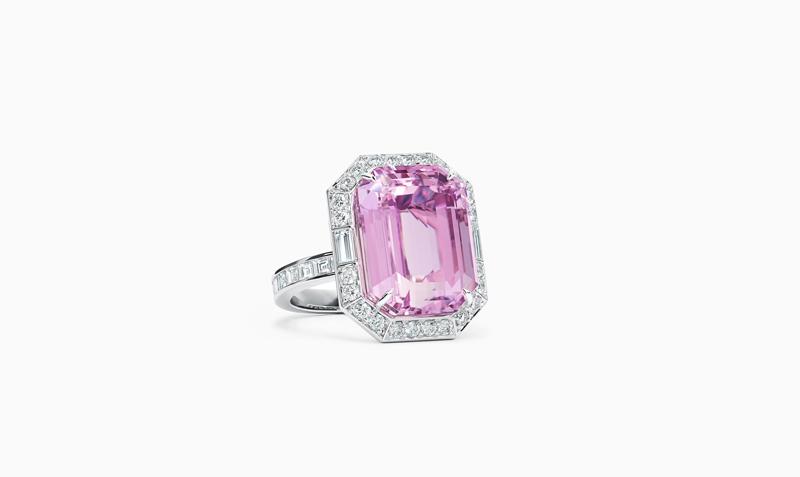 拥有梦幻紫色,蒂芙尼传奇四大宝石之一的孔赛石