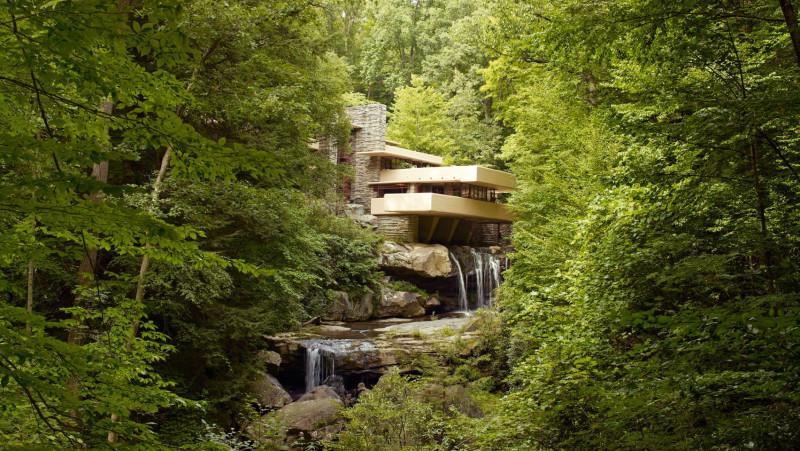 建築大師的曠世傑作!瀑布上的「落水山莊」