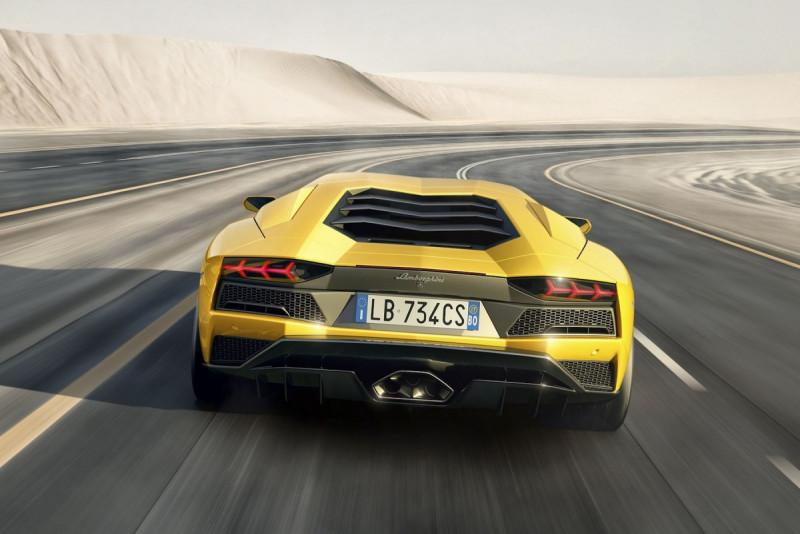 重量是大敌! Lamborghini Aventador预计採V12油电复合动力