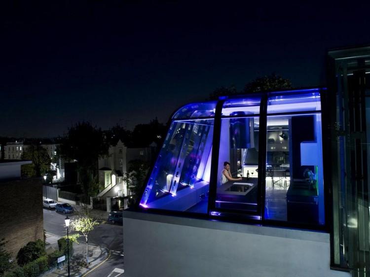 伦敦超狂顶楼公寓,直接跨两栋建筑物顶层