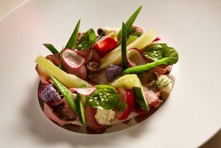 首家夺米其林星的精品餐饮 法国Emporio Armani Ristorante
