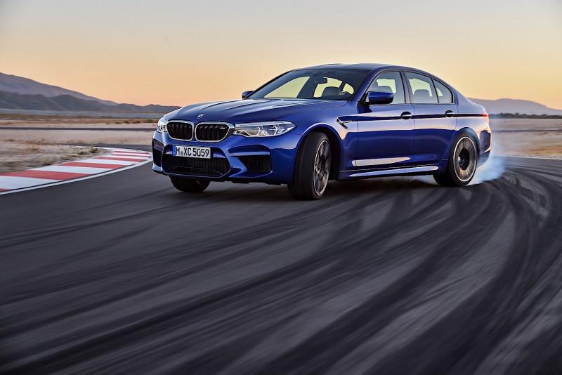 8小時不中斷甩尾 BMW M5打破金氏世界紀錄