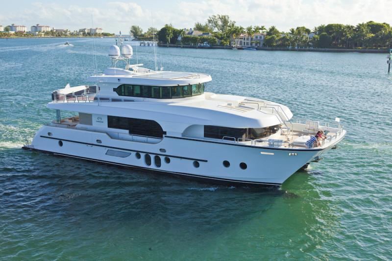 造价1.5亿AC80亚猫游艇 客制化海上行程更豪华