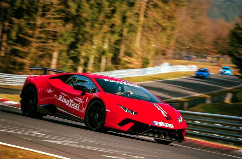 全球最强小黄 Audi、BMW、Lamborghini、Porsche超跑变身赛道计程车