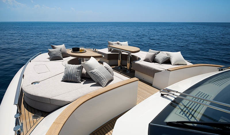 蒙特卡羅、博納多、藍高、聖勞倫佐迷人美型 Simpson Marine辛普森遊艇擁有精銳陣容
