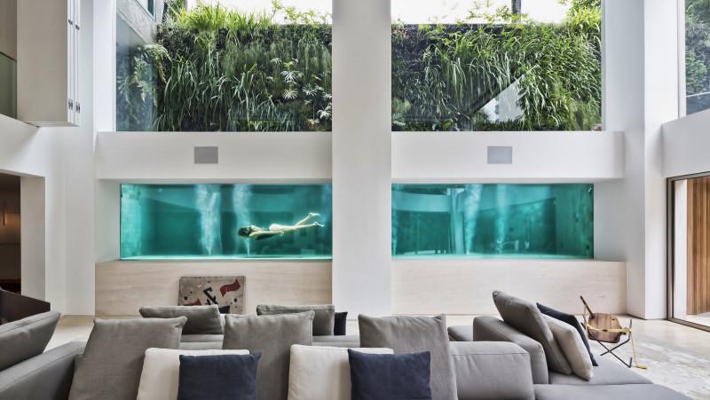 藝術「家」的超展開!別墅以玻璃牆+泳池詮釋極簡美學