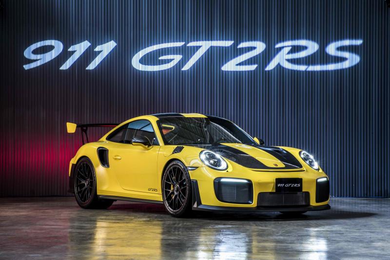最强蛙王Porsche 911 GT2 RS 1488万元起登台亮相