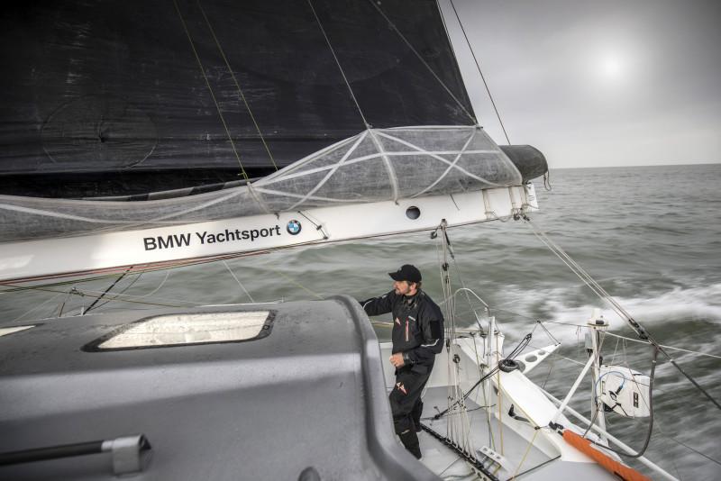 迎戰帆船賽的聖母峰 BMW i8 Roadster輕量技術注入遊艇