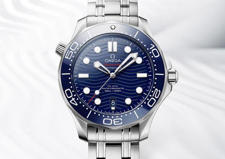 炎炎夏日 最应景的5款蓝色潜水表