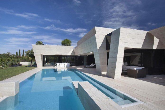 簡約大器的西班牙別墅S. V. House