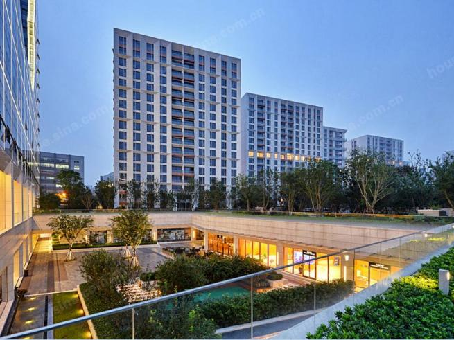 近虹橋商務區與高爾夫球場 上海古北壹號