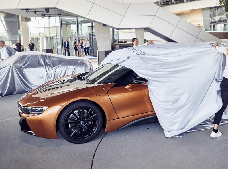BMW i8 Roadster First Edition首批200輛敞篷交付 前18輛專屬會員