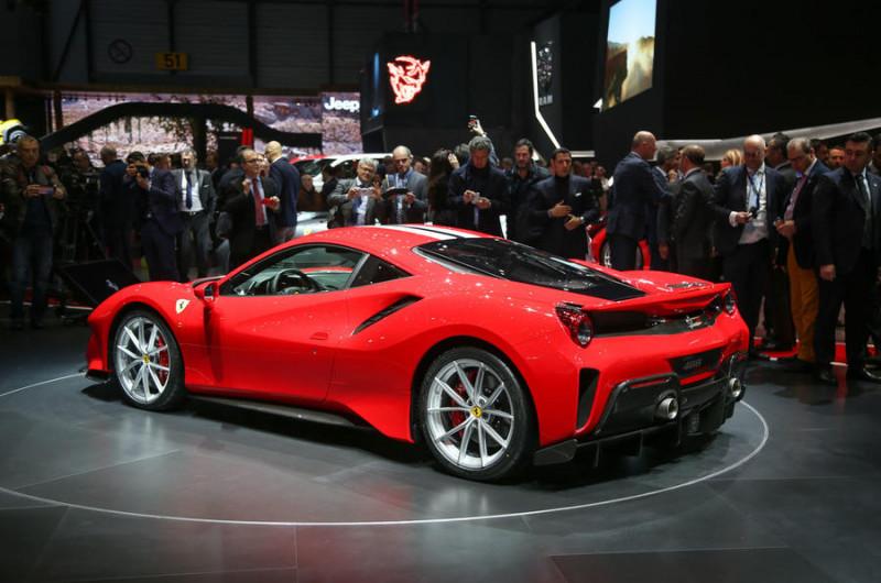 Ferrari 488 Pista和他的烈馬夥伴們 告訴你法拉利車名的真正意思