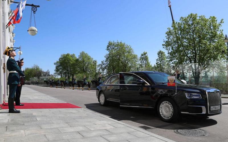 名人座駕  俄羅斯總統普丁的四輪隨從Kortezh