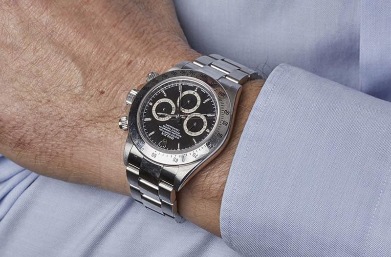 名人戴錶-耐力賽車王選這只再合理不過