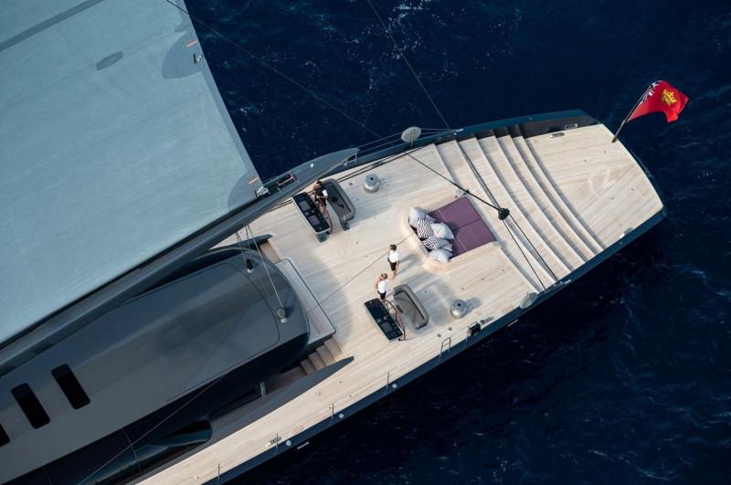 科幻感與奢華的完美融合 2018最佳遊艇室內設計