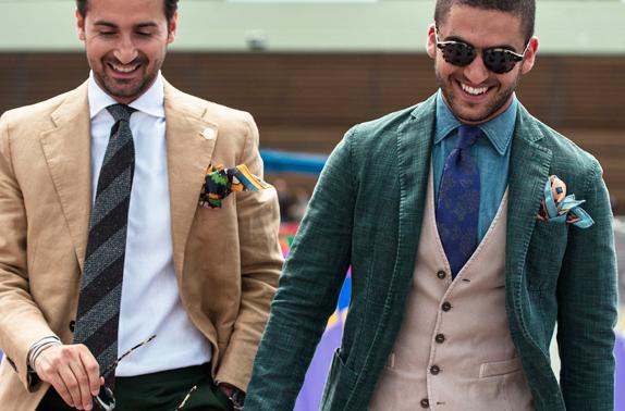 想穿出不一樣的西裝風格嗎?用口袋巾讓你成為眾人焦點