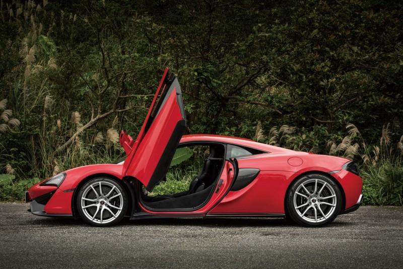 暢快盡情Everyday McLaren 570S Coupe顛覆你我想法的黑天鵝