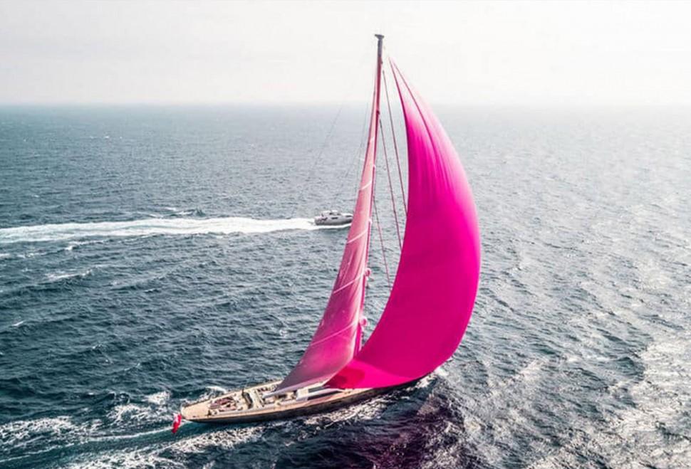 顛覆對帆船的印象 全球最大碳纖單桅帆船Pink Gin VI