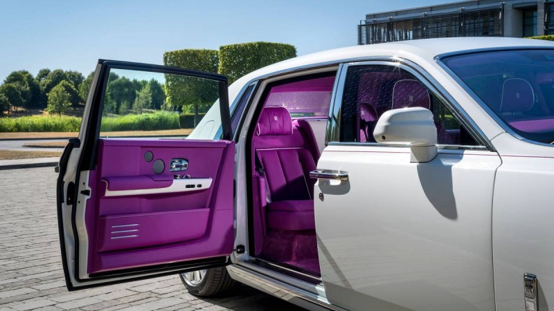 不是普通的客製化!美國大亨買第10輛勞斯萊斯 Rolls-Royce為他設立專用車色