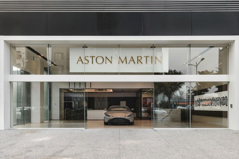 DBS Superleggera、DB11 AMR千萬跑車雙首發 慶賀全台第三家Aston Martin 高雄展示中心開幕