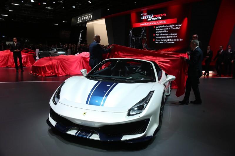 法拉利第50款敞篷跑車登陸歐洲 Ferrari 488 Pista Spider現身巴黎車展