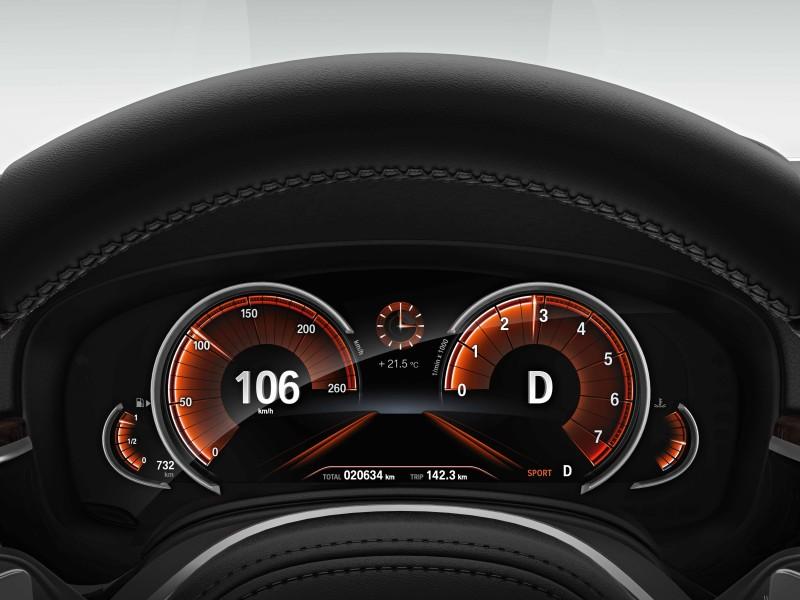 BMW儀表板為什麼是橘色的?