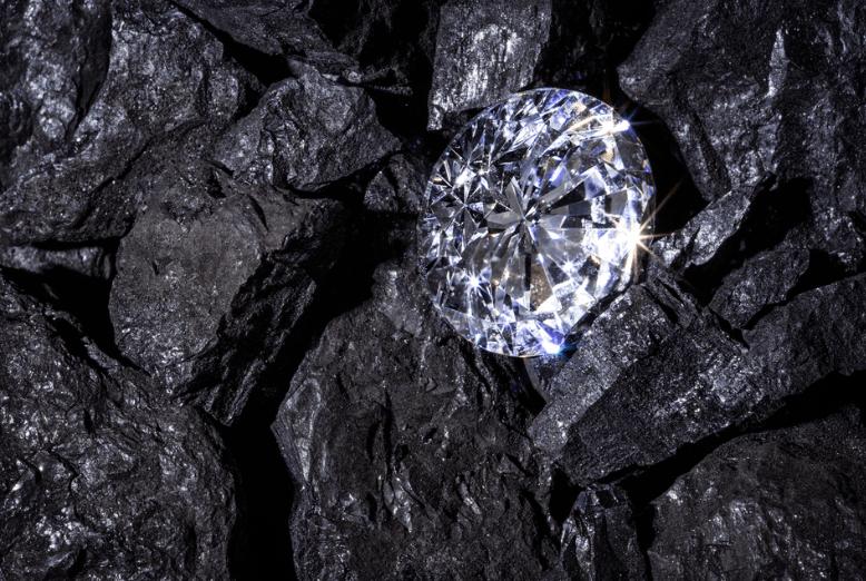 裸鑽怎麼買才保值 選購鑽石前應該要知道的衡量標準